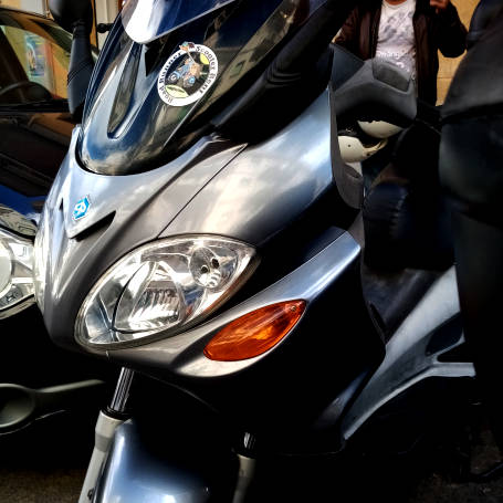 Scooter 200CC - Piaggio X9 - Road Runner Scooter Rent