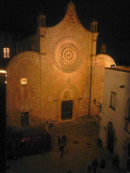 Basilica Minore Concattedrale di Santa Maria Assunta - Facciata - Road Runner Scooter Rent